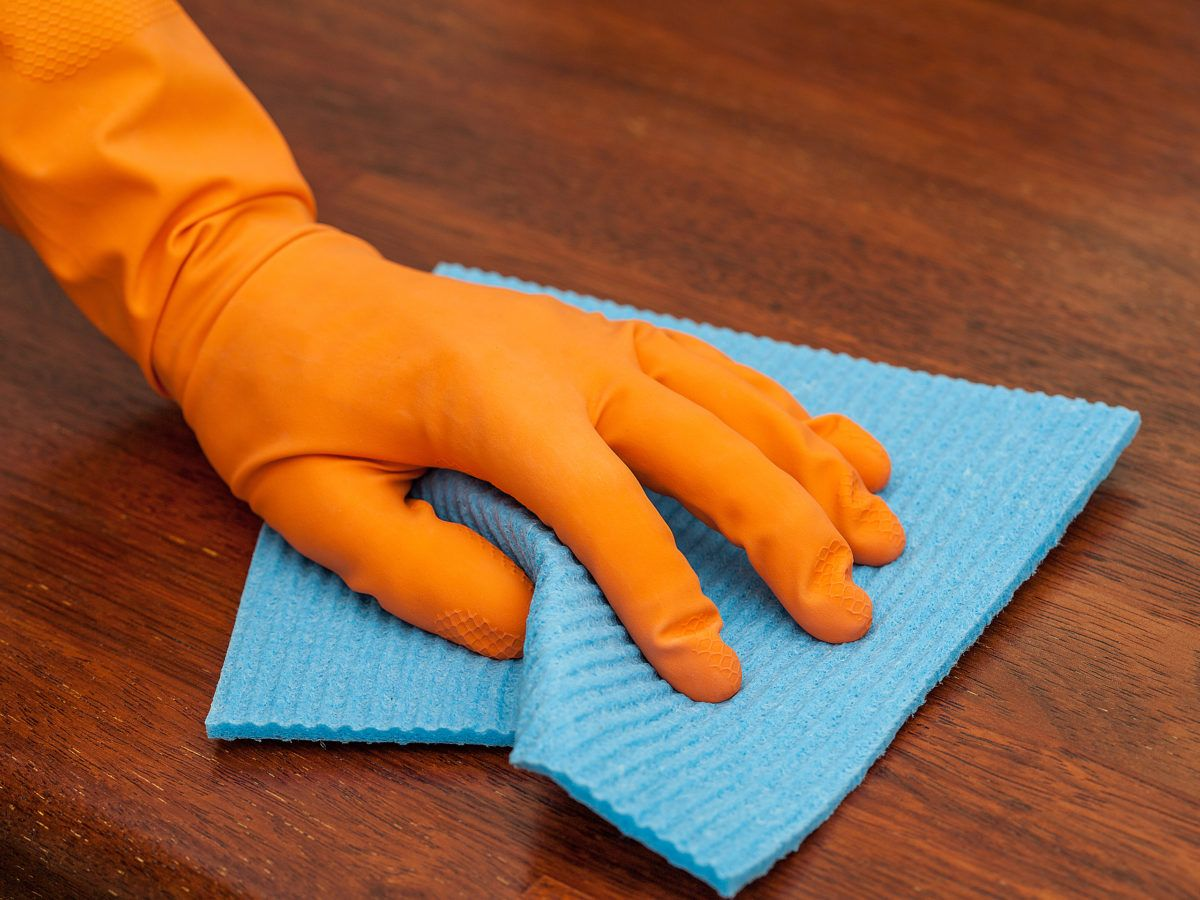 Cleaning wood surfaces
